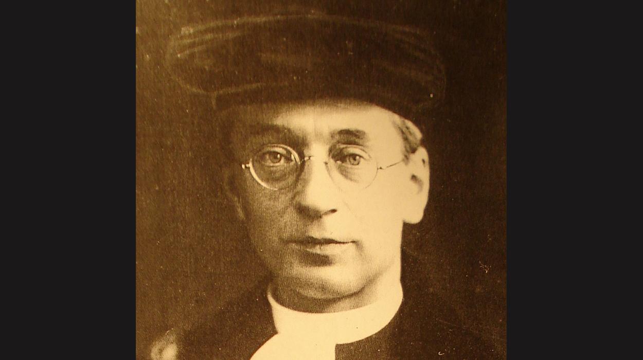Titus Brandsma, Hoogleraar aan de Katholieke Radboud Universiteit.